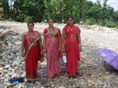 Femmes en tenue traditionnelles