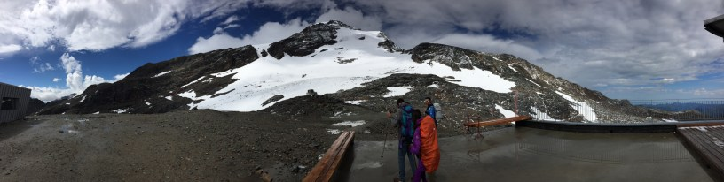 Punta Indren e l'inizio del ghiacciaio Indren