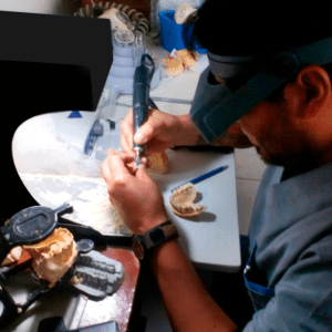 eradental laboratorio técnico dental en Sangolquí