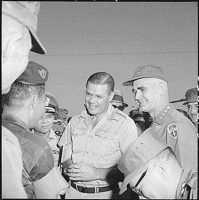 R.S. McNamara και Στρατηγός Westmoreland. 1965