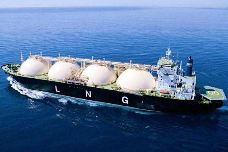 Φορτίο υγροποιημένου φυσικού αερίου (LNG) από τις ΗΠΑ θα εκφορτωθεί πριν το τέλος του έτους στην καινούργια δεξαμενή της ΔΕΣΦΑ στη Ρεβυθούσα, η έναρξη λειτουργίας της οποίας έγινε πρόσφατα, όπως ανακοίνωσε το υπουργείο Ενέργειας και Περιβάλλοντος.