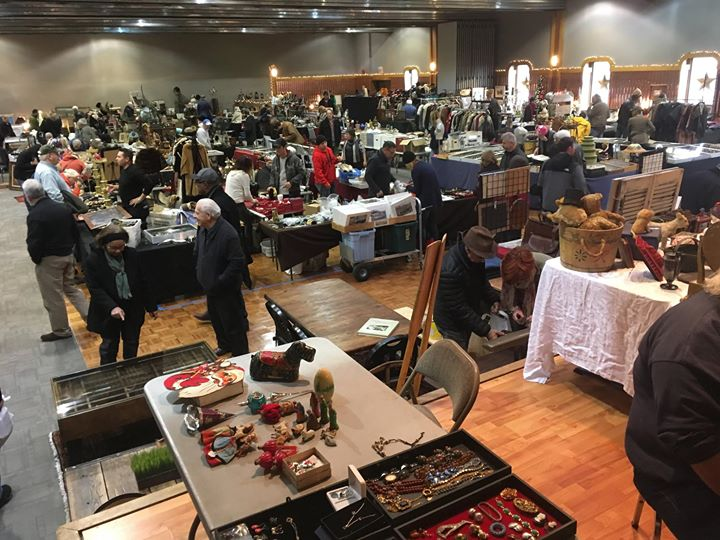 Indoor Phila Flea Market at Penns Landing Caterers