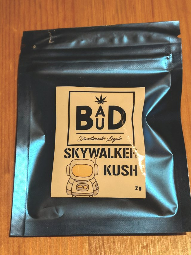 bustina di Bad Bud Skywalker Kush canapa light