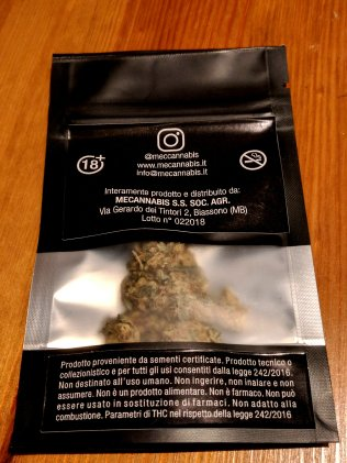 bustina di Black Widow di Mec Cannabis, il retro