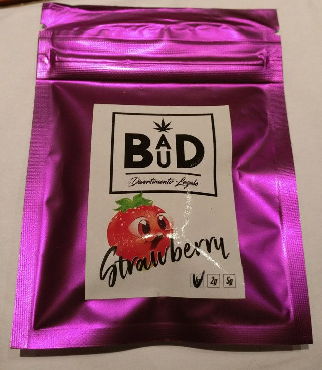 Strawberry di bad bud