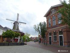 Centrum Winsum molen en openbare lagere school