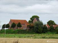 Kerk op wierde Ezinge Groningen