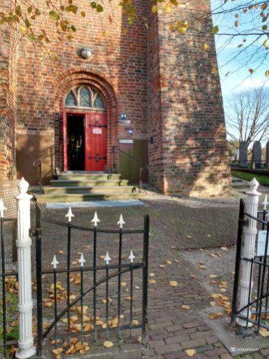 Ingang Kerk Midwolde, Leek, Groningen