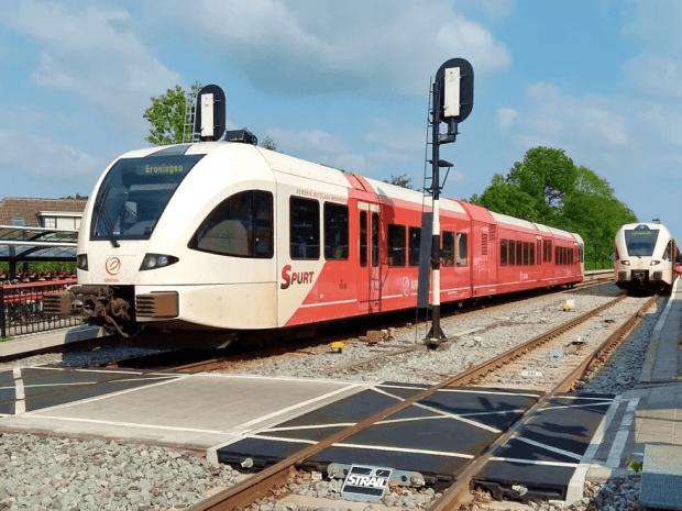 Station Zuidhorn - trein Arriva