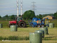Boeren grasmaaien en kuilen (Den Horn)