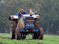 Ploegen met Paarden (en klassieke tractoren) bij Borg Verhildersum