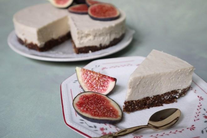 cheesecake vegan de caju si cocos