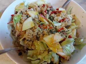 ingrediente salata dupa amestecare cu dressing