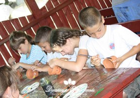 Kézműves foglalkozás Fűfej készítés Erdei iskola
