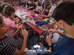 Kézműves foglalkozás Karkötőcsomózás Erdei iskola