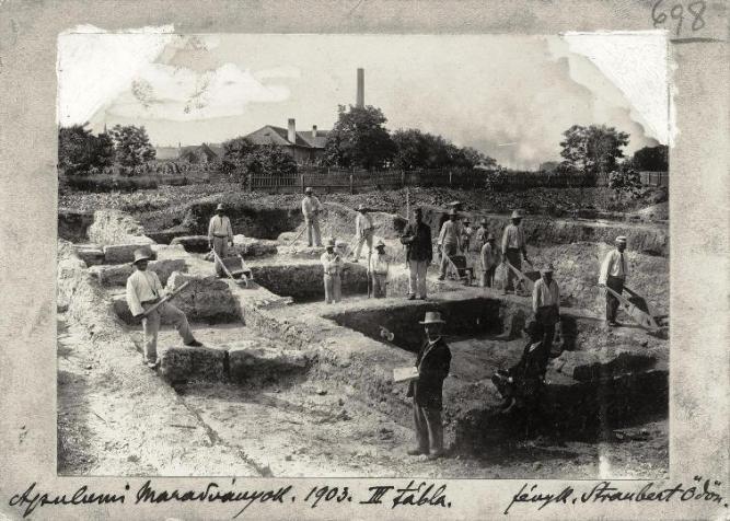 Cserni ásatásai a kormányzói palotában