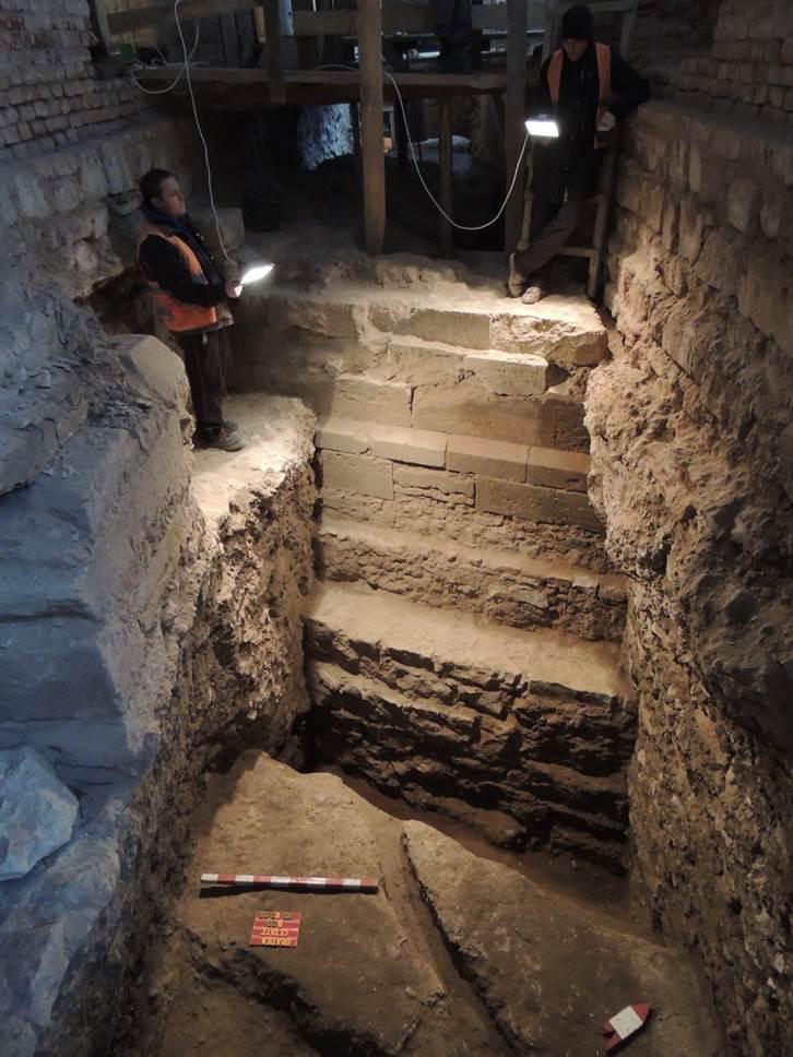 A gótikus székesegyház dél-nyugati tornya (Mihálka Nándor, a Nagyváradi Vár- és Várostörténeti Múzeum régészének felvétele)