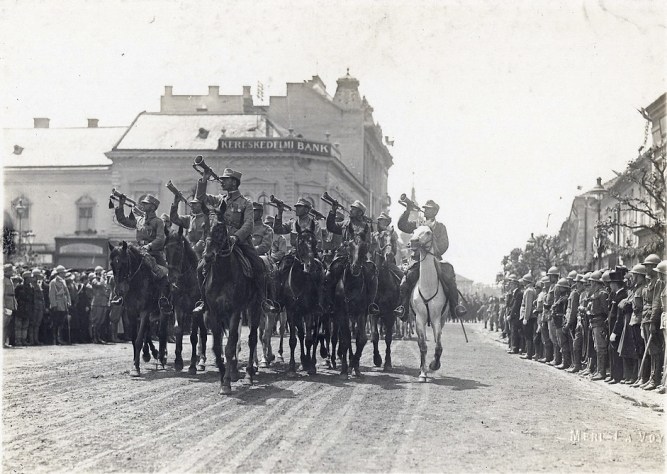 Romanian_troops_in_Transylvania