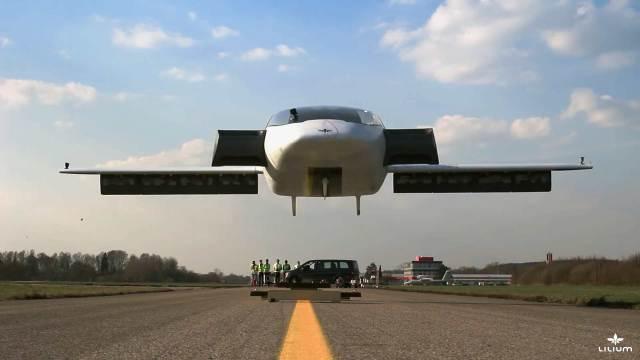 «Летающая машина», способная развивать скорость до 300 километров в час создана в Германии