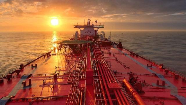 Беларусь начала импорт нефти из США
