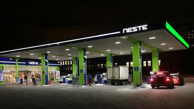 В Литве заправиться можно через мобильное приложение
