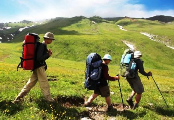 ruta de senderismo botas de montaña