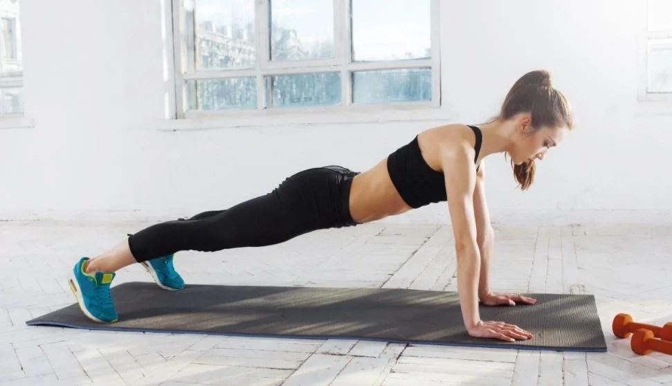 Rutina para hacer ejercicio en casa.