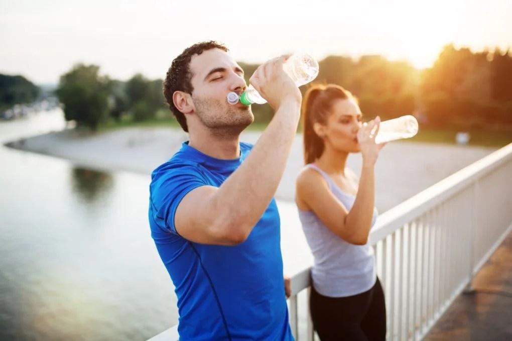 Hidratación: durante, pre- y post-entreno
