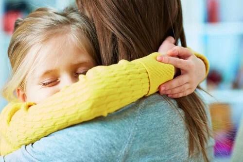 Enseñar a perdonar a tus hijos es una de las tareas mas arduas que poseen los padres.