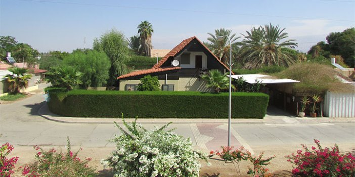 Moshav Ne'ot Hakikkar is located in the desert near the Dead Sea. (Adriel)