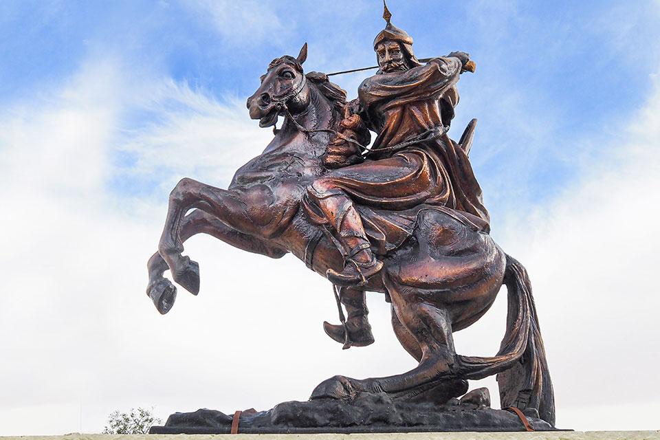 Statue of Saladin in Kerak, Jordan
