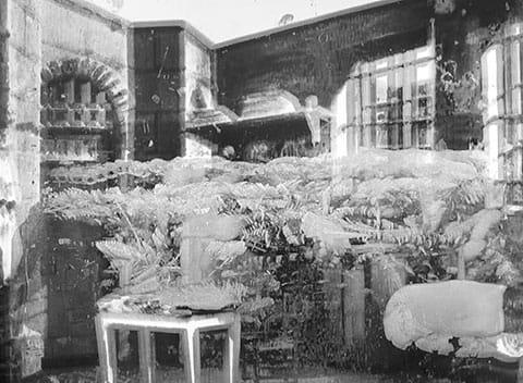 """ניר עברון, """"דרייפוס נפגש עם אשתו ברן"""", תצלום מתוך הסדרה """"דרייפוס/מלייס"""", 2014"""