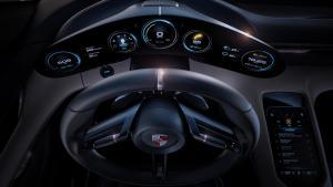 Instrumente des Porsche Mission E (Quelle: Porsche)