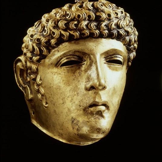 Bronzen gelaats/parademasker, het zogenaamde Gordonmasker. vindplaats: Roomburg bron: Gemeente Leiden