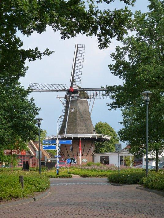 Molen De Hoop in Hellendoorn. Foto via: De Hollandsche Molen