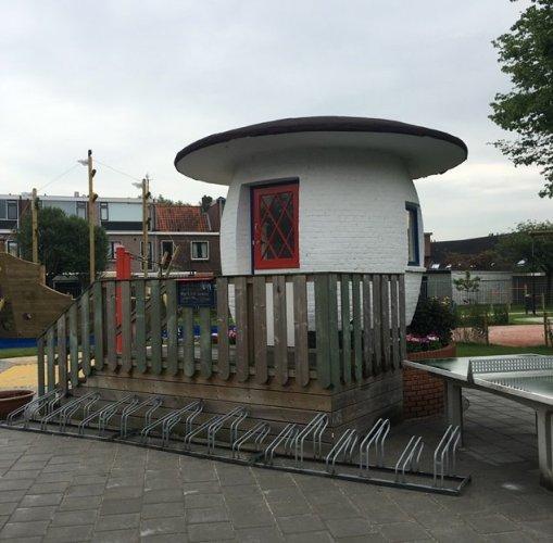 Het portiershuis in de vorm van een paddenstoel in 2018