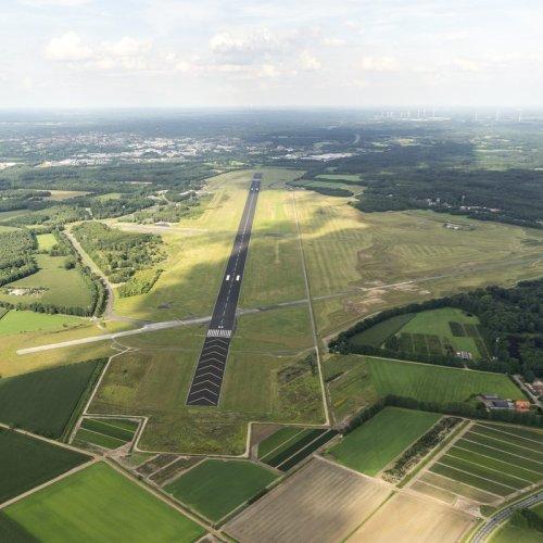 Luchtfoto vliegveld Twente