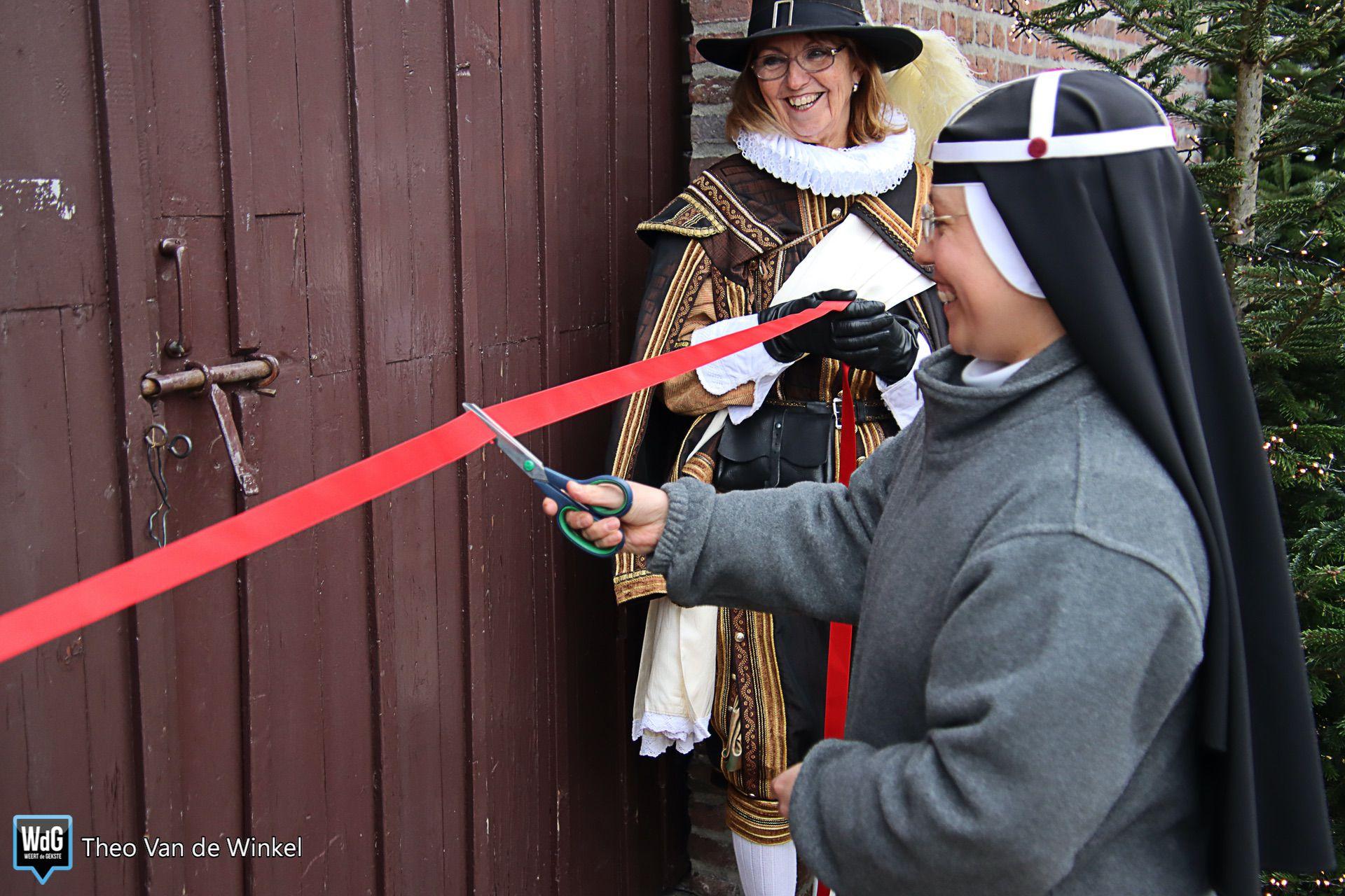 Opening kerststal in Weert