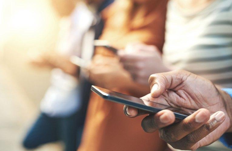 13033: Πάνω από 8,6 εκατ. SMS το Σαββατοκύριακο – Τι ισχύει τελικά