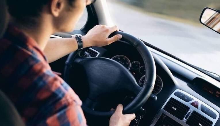 Νέα παράταση ισχύος αδειών οδήγησης λόγω των μέτρων για τον κορονοϊό