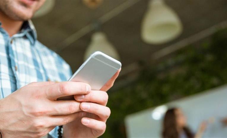 Νέα δικαιώματα για τους χρήστες κινητής και σταθερής τηλεφωνίας