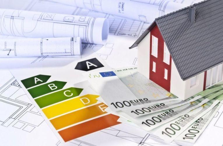 «Εξοικονομώ – Αυτονομώ»: Το φθινόπωρο το νέο πρόγραμμα – Ποιες κατοικίες αφορά
