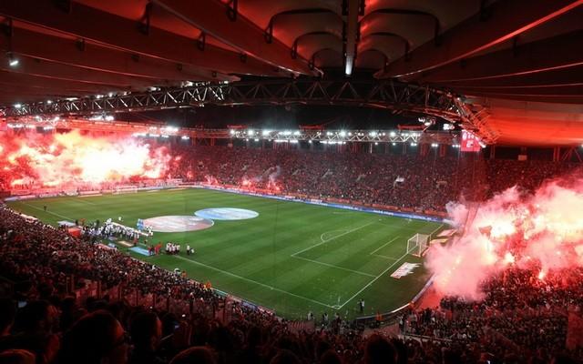 Κορονοϊός: Νέα μέτρα για τα γήπεδα.  Αυξάνεται η χωρητικότητα θεατών στις εξέδρες