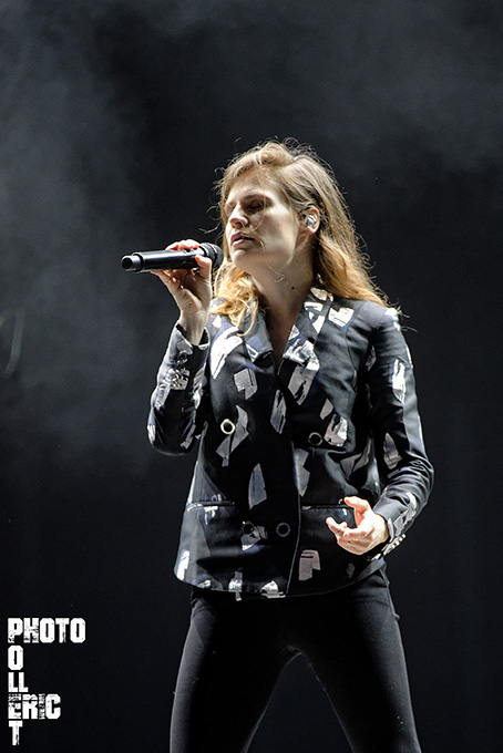 CHRISTINE AND THE QUEENS 32VC15 copie