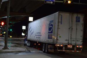 Semi on Central E Freeway