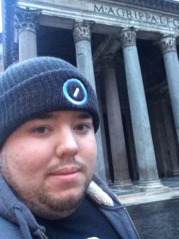 Selfie in front of the Pantheon