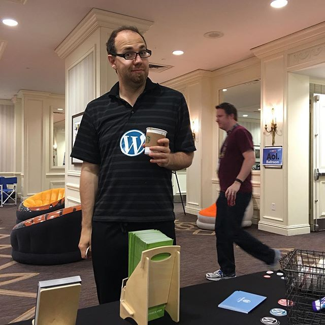 @stephane.boisvert forgot to wear a WordPress shirt this morning. So, he substituted by putting a sticker on his shirt. 😎 #phptek