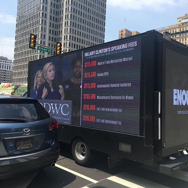 Heh, they've even got anti Hillary vehicles going around. 😂