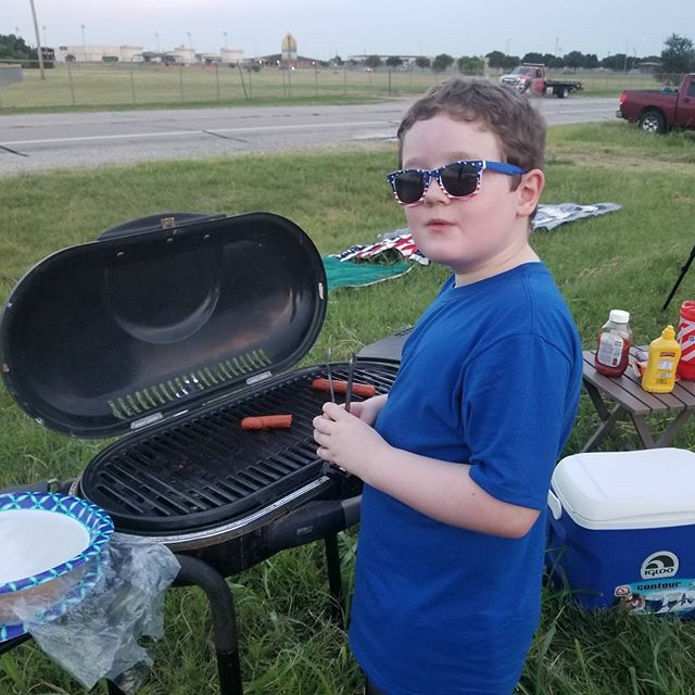 This kid decided to play cook after I made hot dogs. So, he pushed around already cooked hot dogs on a cool grill 🤣