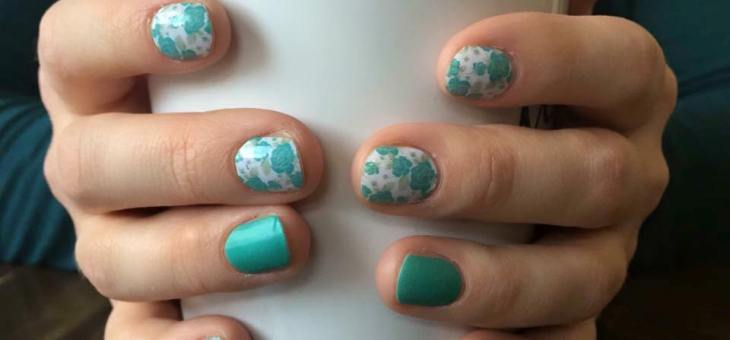 Cheap Manicures? Fabulous Nails! I'm Now an Independent Consultant for Jamberry Nails #Giveaway